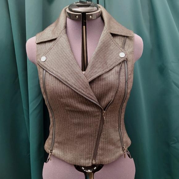 Bebe cropped moto zipper vest